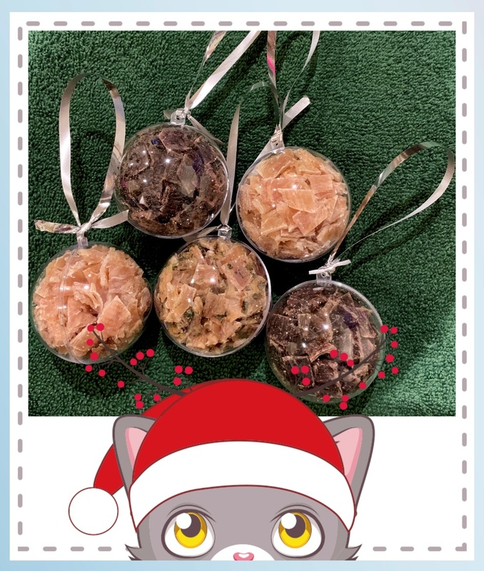 Any 5 baubles: 6cm balls