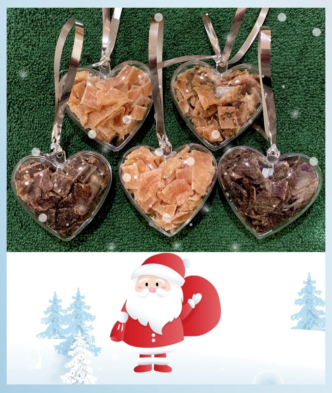Any 5 baubles: 6.5cm hearts