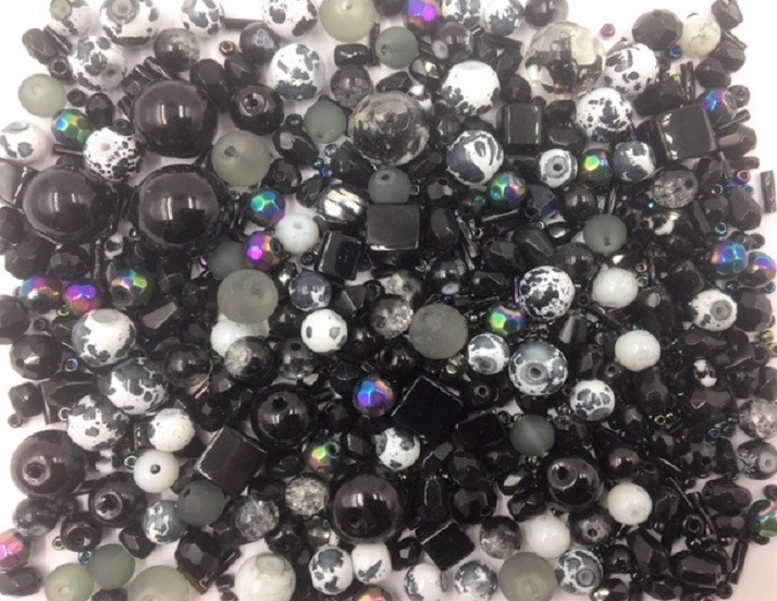 Black Bead Mix - 100g - 500+ Pieces