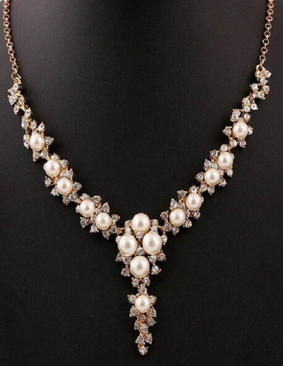 Simulated Pearl Necklace with Gold Chain