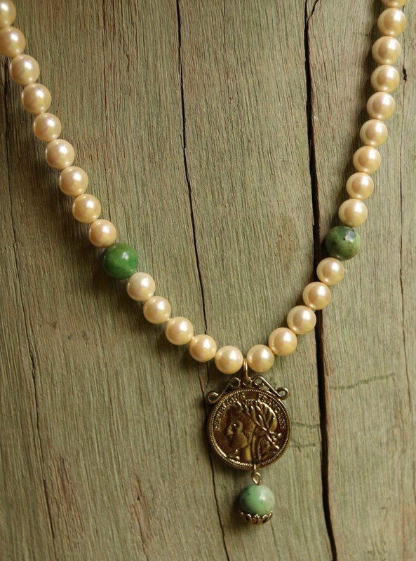 427. Pearl and Chrysoprase French Medallion Reversible Necklace