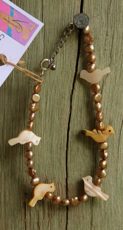 60. Pearl and Mother Of Pearl Birds Bracelet