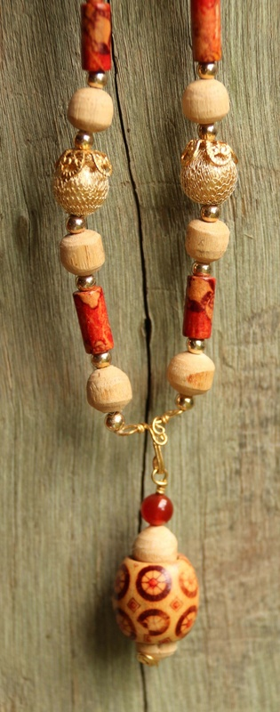 414. Wood and Metal Beads Necklace