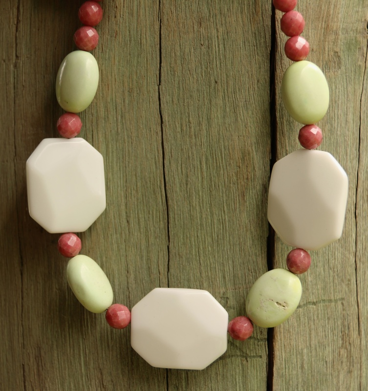89. White Onyx, Lemon Chrysoprase and Rhodonite Necklace