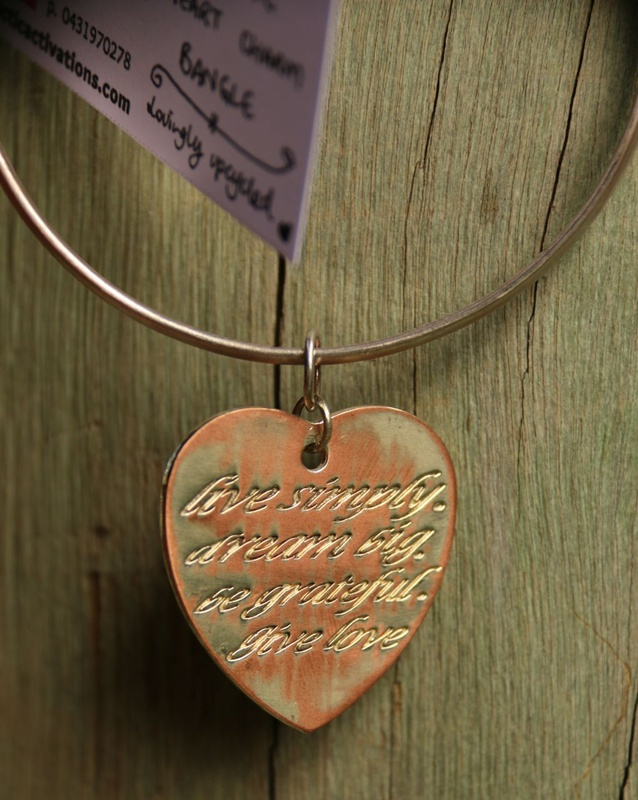 479. 'Live Love' Heart Charm Bangle