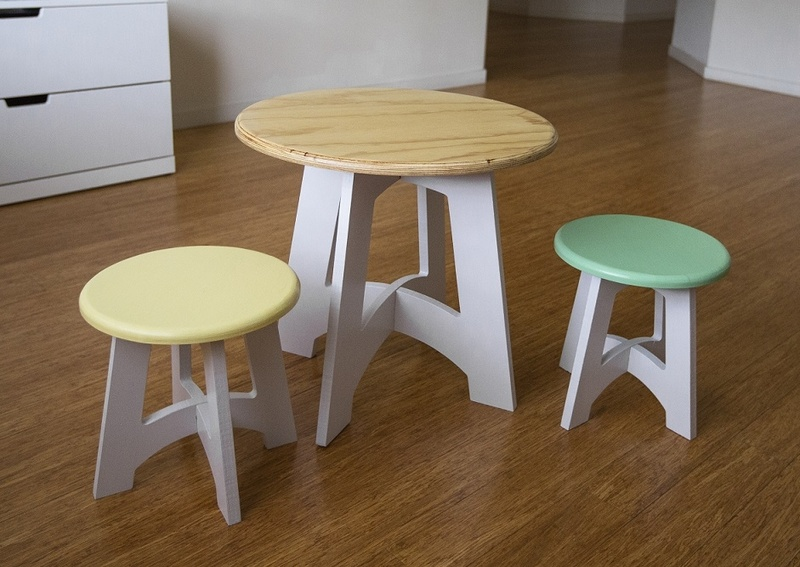 Alpha kids Table and Chairs