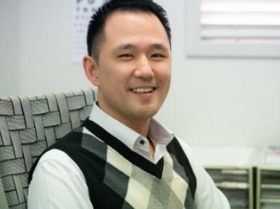 Dr John Yi
